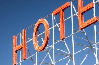 Hôteliers traditionnels contre centrales de réservation : un combat perdu d'avance ?