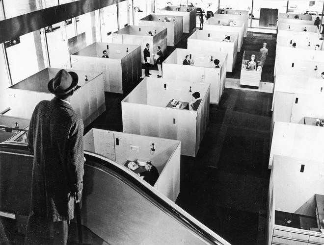 The-dawn-of-the-age-of-cubicles-seen-jacques-tati-image-11